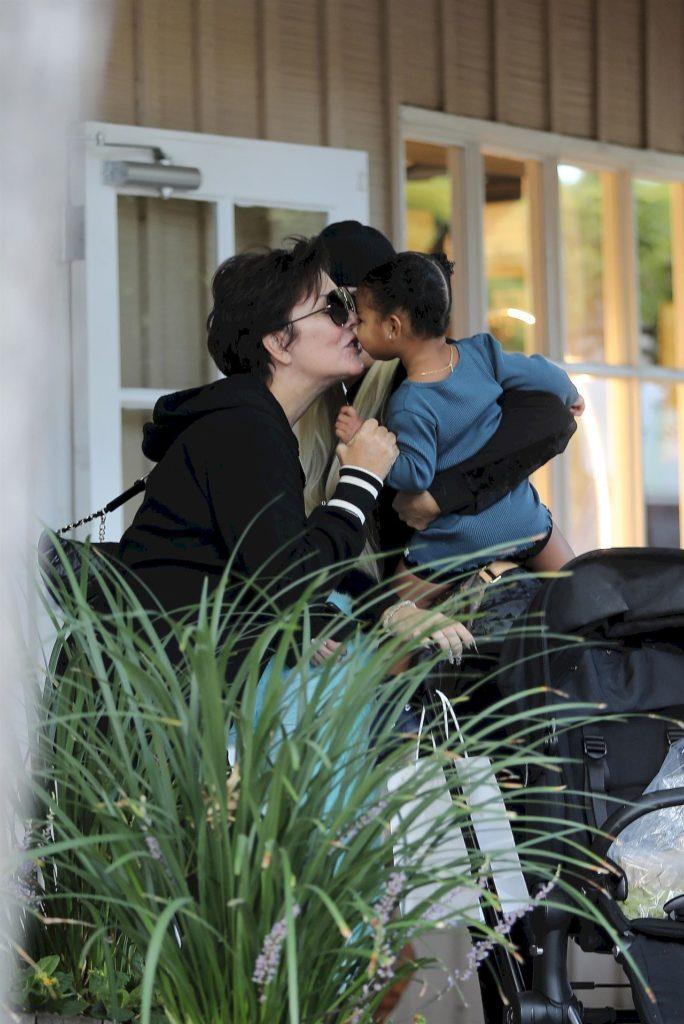 Kris Jenner z wnuczką