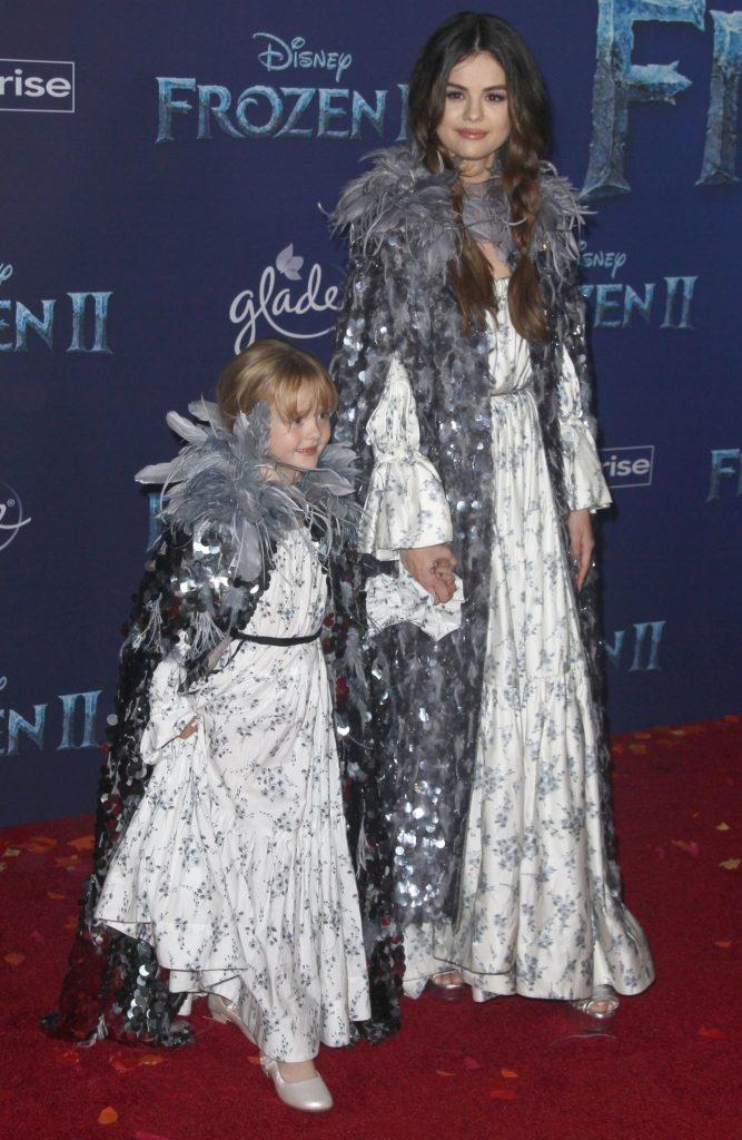 Selena Gomez z siostrą Gracie na premierze Frozen