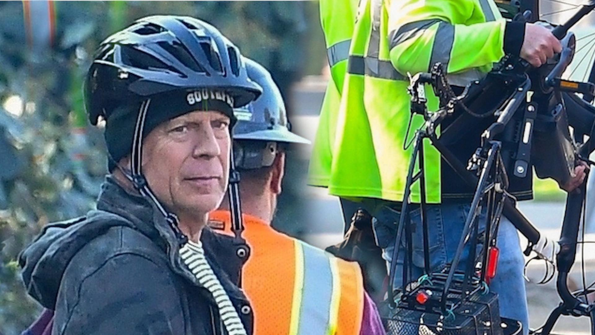 Bruce Willis miał mały WYPADEK na rowerze. Pomogli mu ROBOTNICY DROGOWI (ZDJĘCIA)