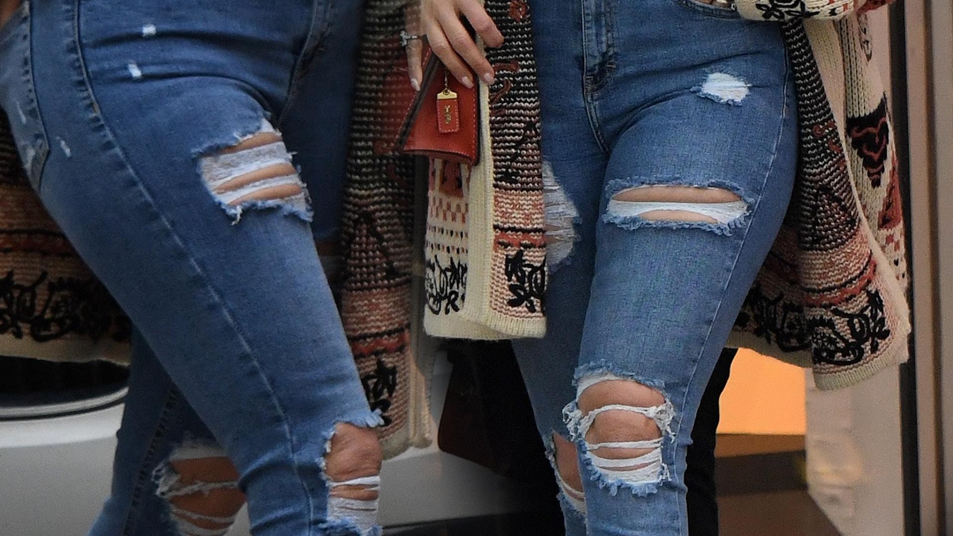 Która gwiazda kocha markowe torebki i podarte dżinsy (nie, to nie jest Khloe Kardashian)