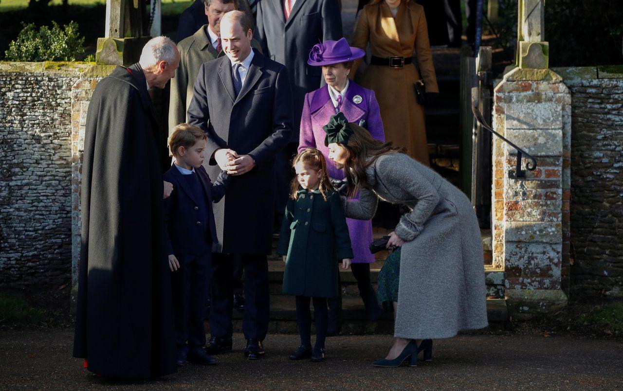 Księżna Kate i książę William na świątecznym nabożeństwie z dziećmi