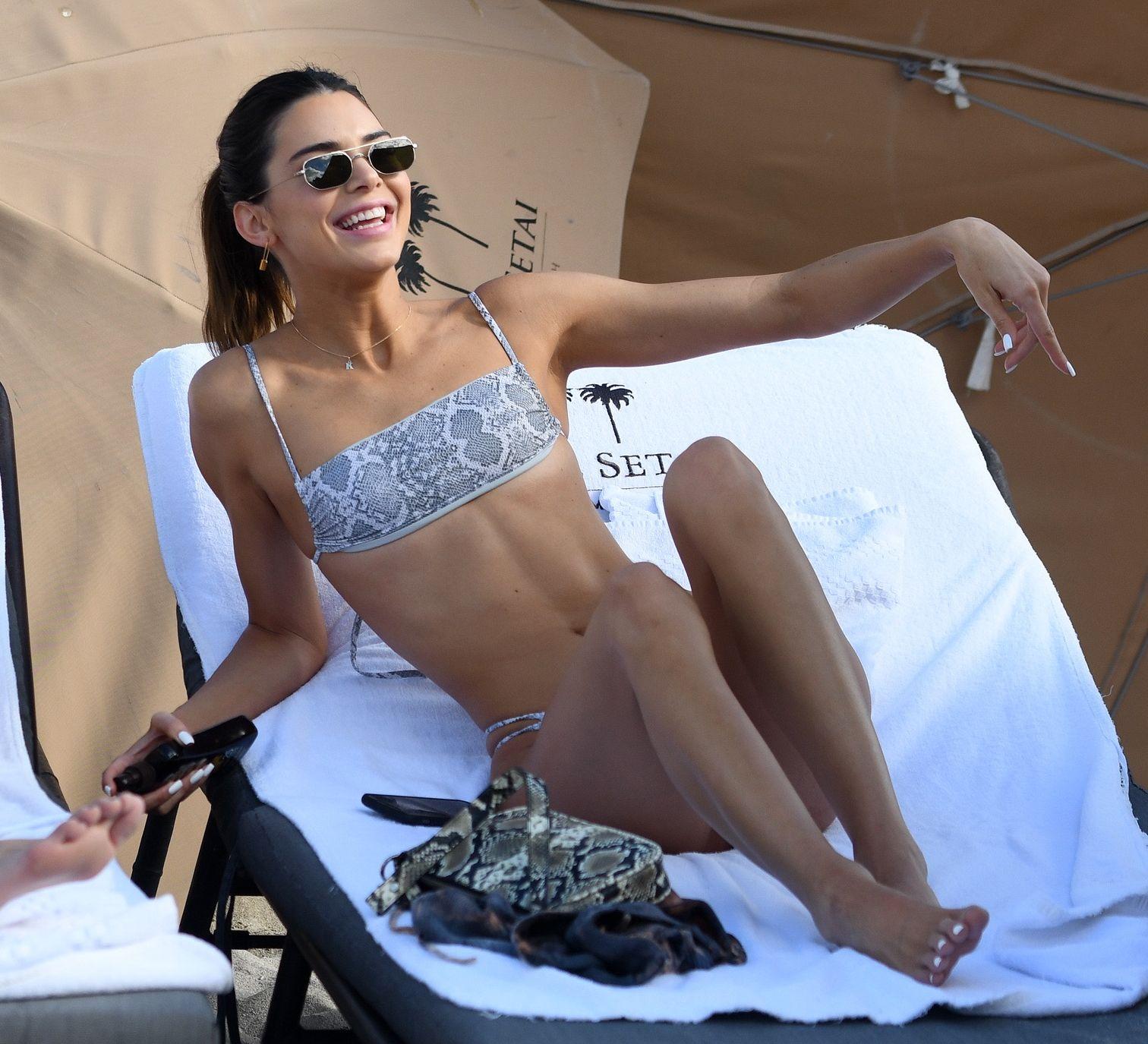 Kendall Jenner ma BARDZO MAŁY biust – nie zdecydowała się na silikony (ZDJĘCIA)