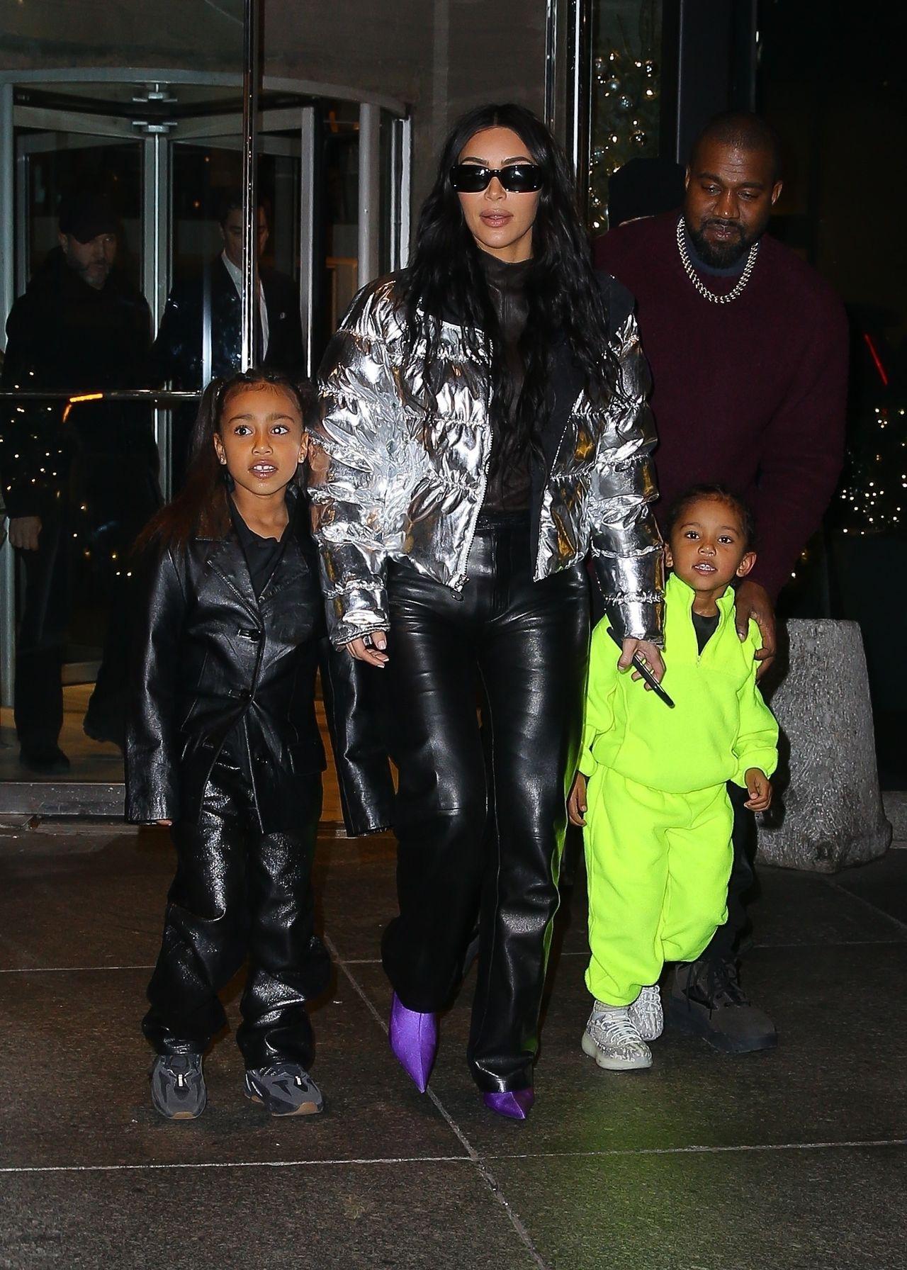 Kim Kardashian z mężem i dziećmi.