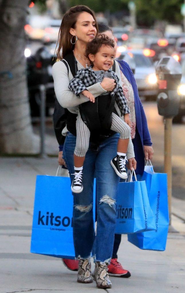 Jessica Alba z synkiem Hayesem