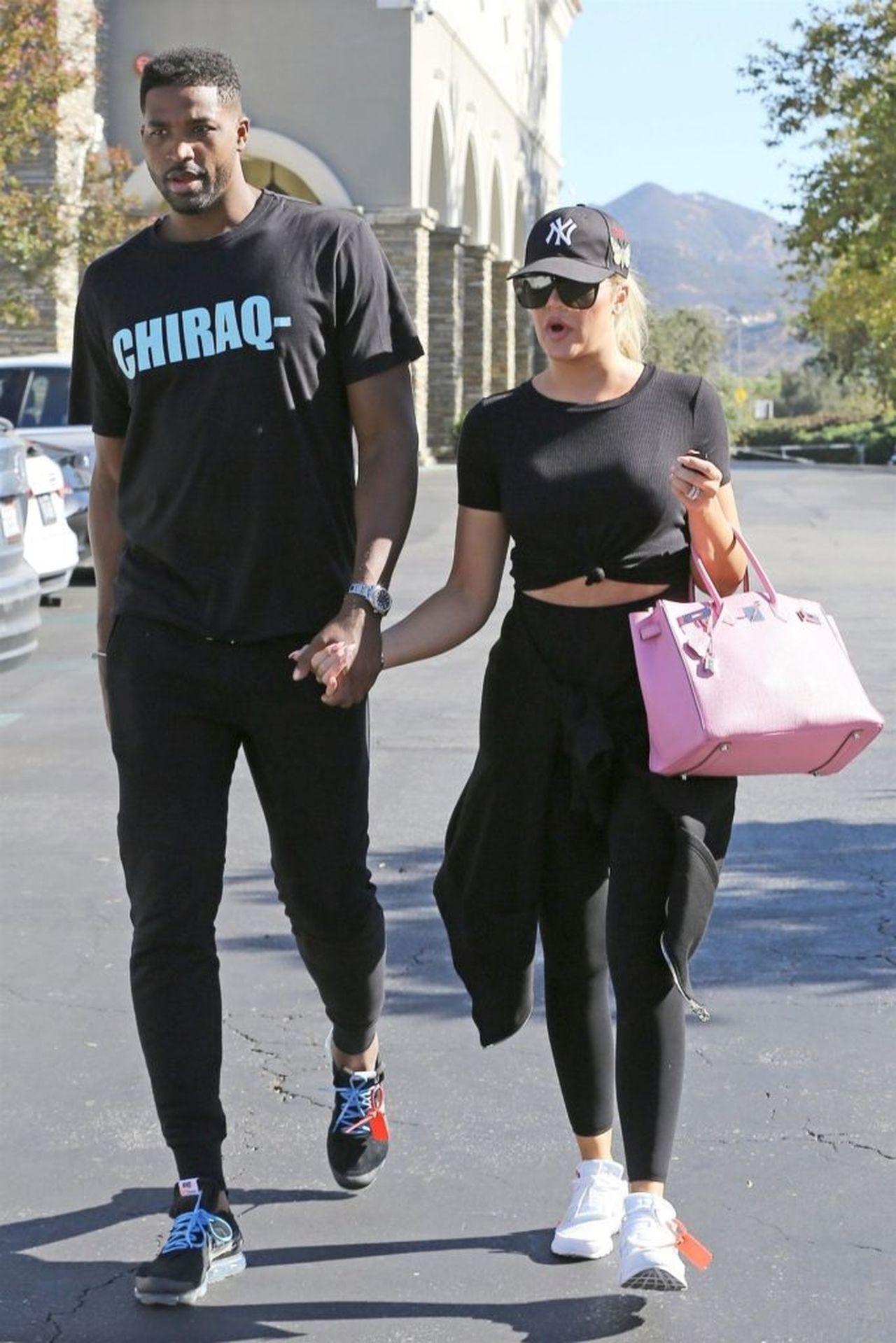 Khloe Kardashian i Tristan Thompson idą za rękę