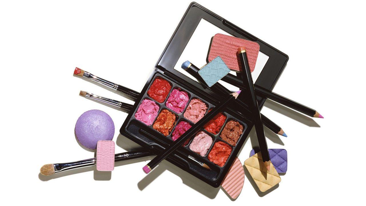 Tuż po świętach rusza karnawałowa promocja w Super-Pharm. Kosmetyki do makijażu kupisz taniej aż o połowę!