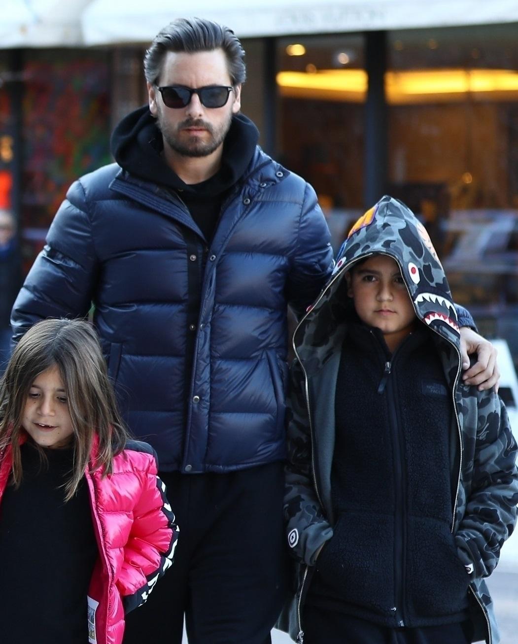 Scott Disick z synem Masonem i córką Penelope