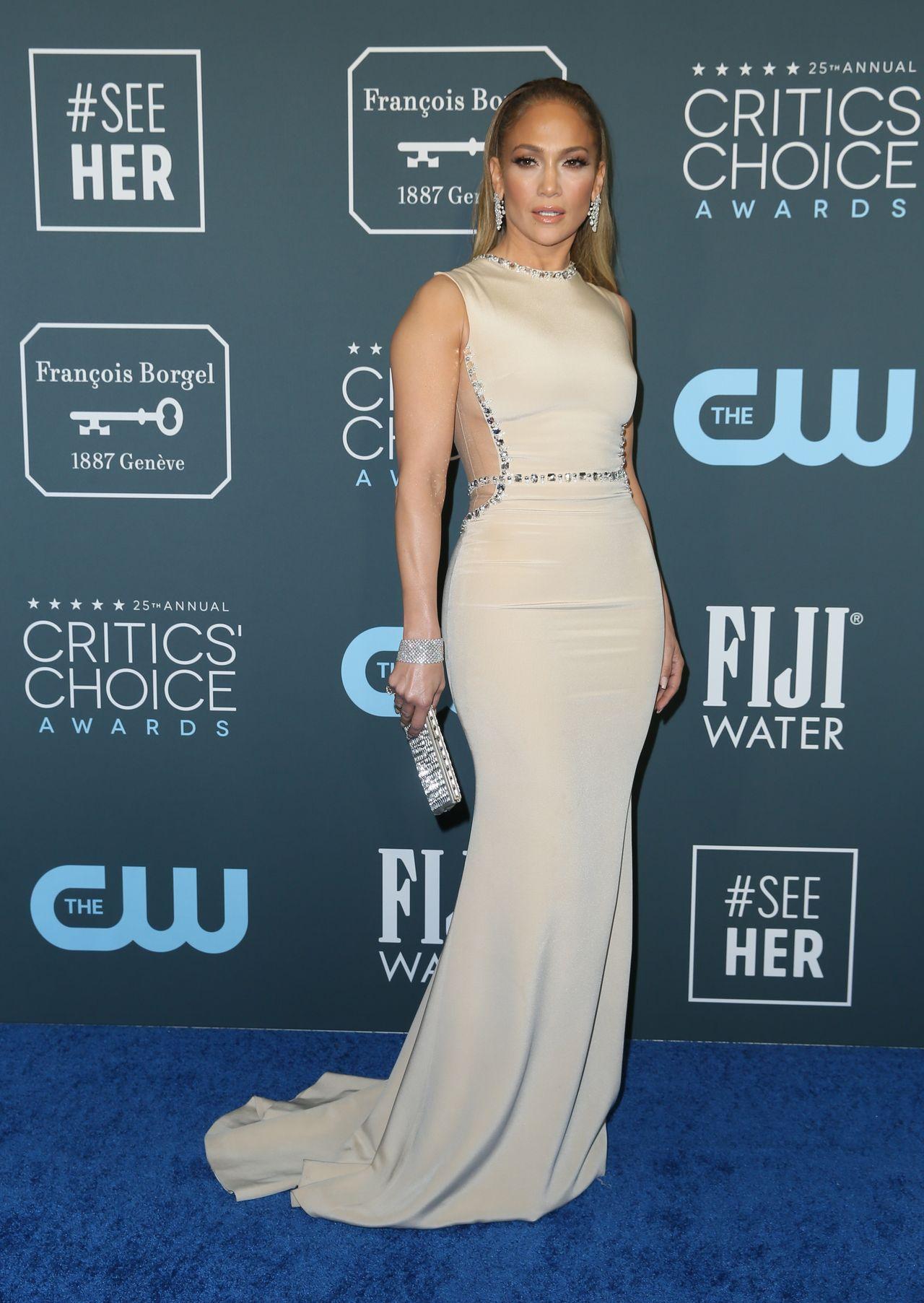 WOW! Zendaya ZASZALAŁA z kreacją na gali Critic's Choice Awards – przebiła nawet JLo? (ZDJĘCIA)