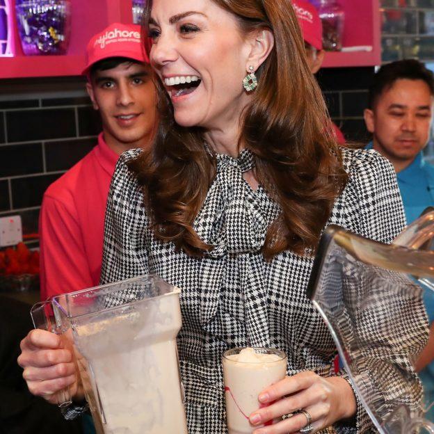 William and Kate make milkshakes at MyLahore