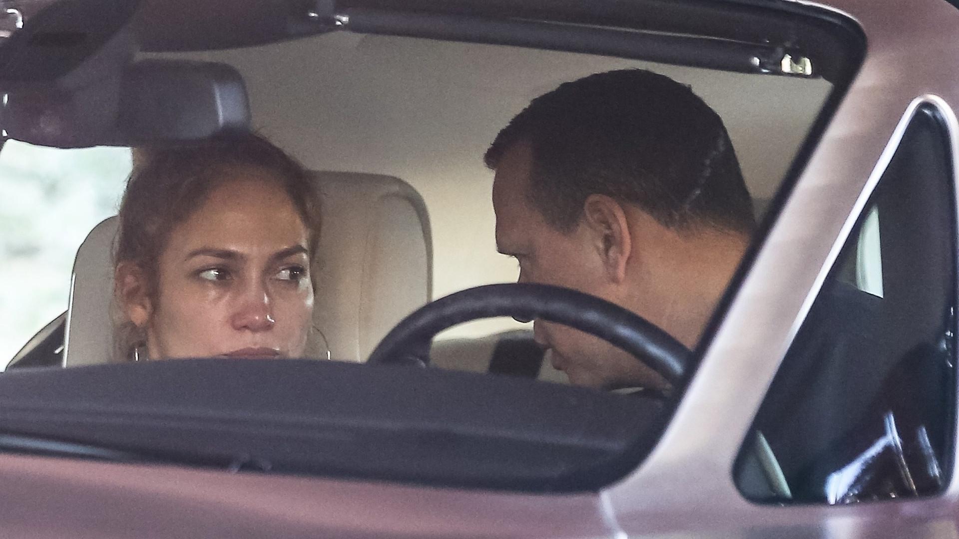 Jennifer Lopez PŁACZE w samochodzie. Pokłóciła się z narzeczonym (ZDJĘCIA)