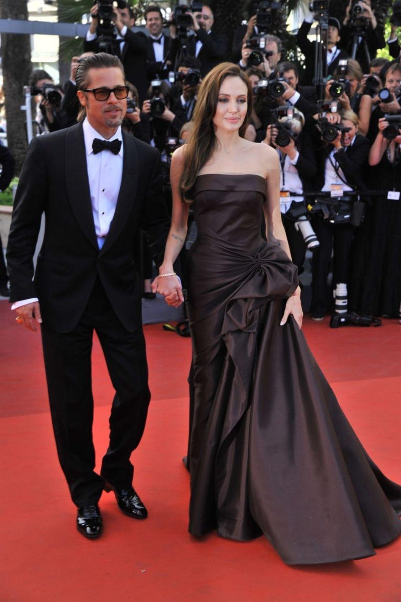 Brad Pitt i Angelina Jolie na czerwonym dywanie