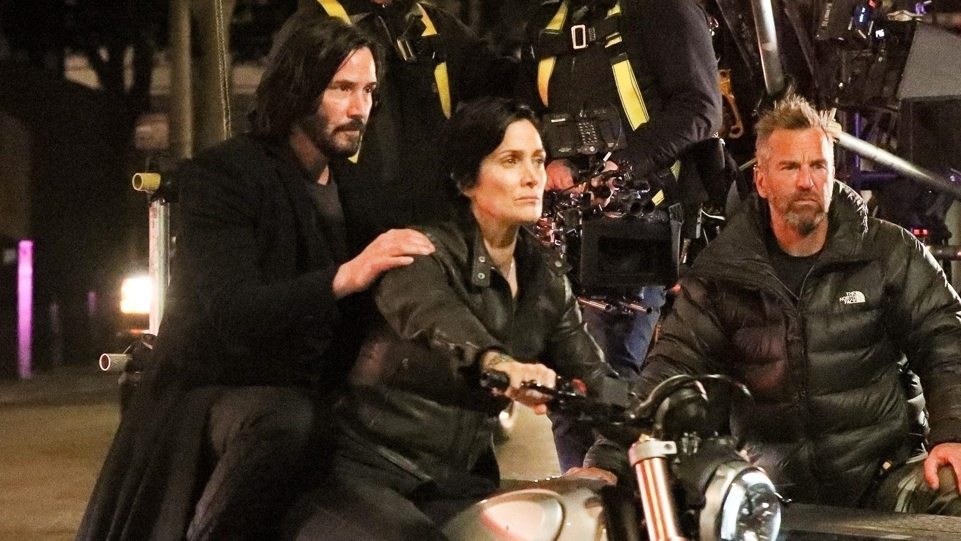 Mamy ZDJĘCIA z planu MATRIX 4 – Neo i Trinity na motocyklu