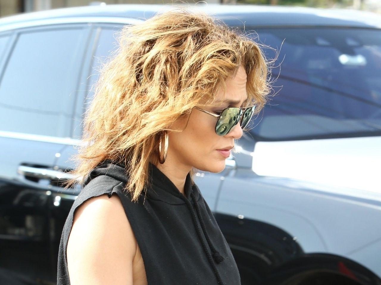 Jennifer Lopez ma naturalnie kręcone włosy