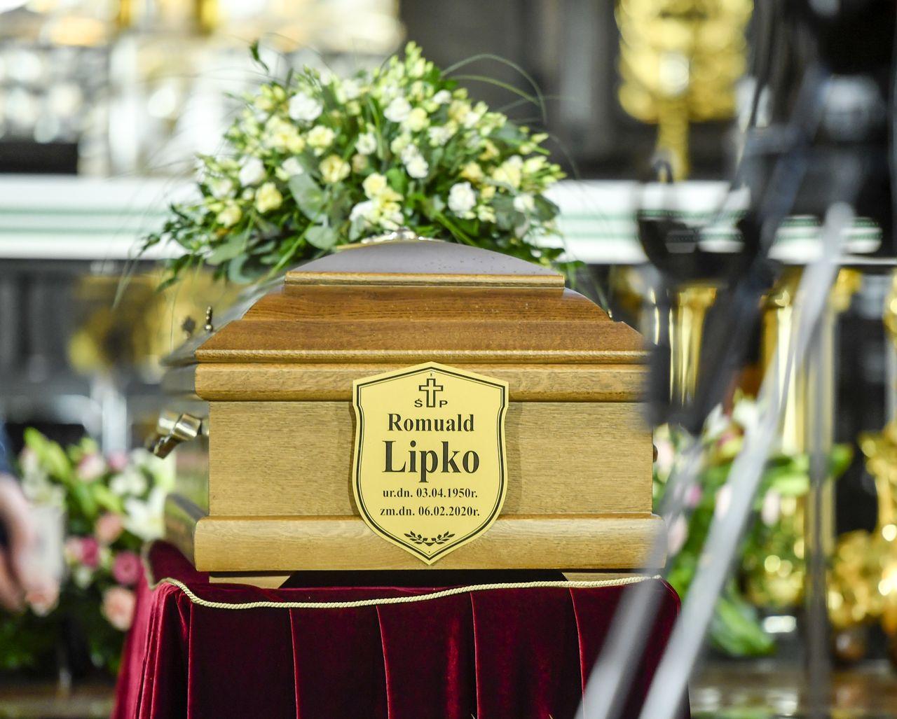 Pogrzeb Romualda Lipko. W ostatniej drodze towarzyszy mu rodzina i bliscy
