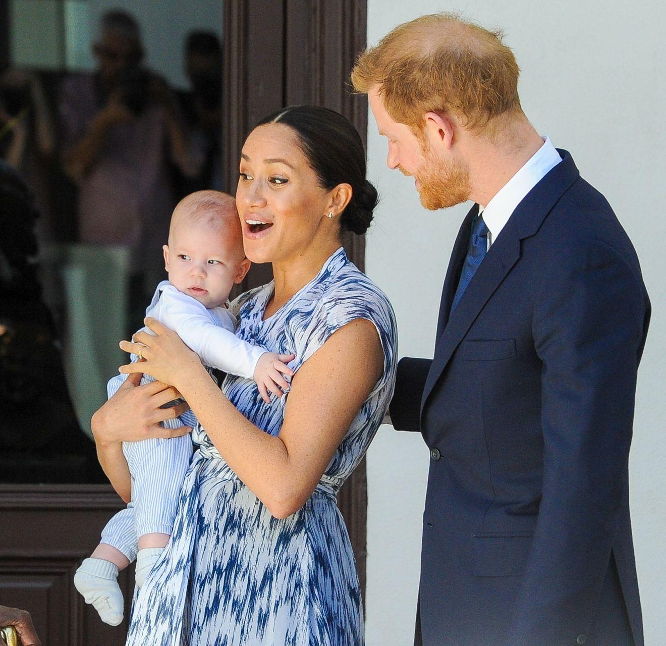 Meghan Markle z księciem Harrym i Archiem
