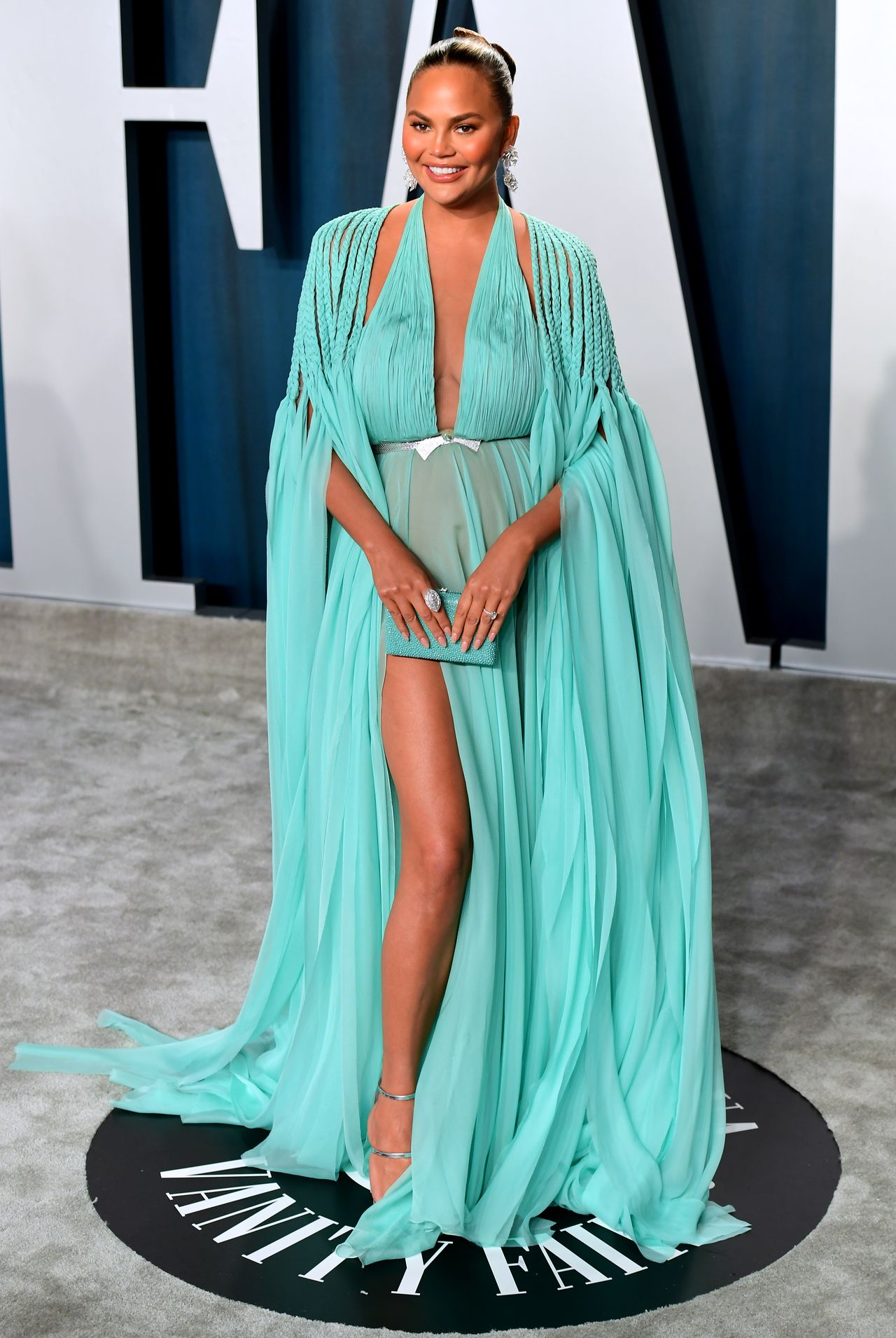 Chrissy Teigen na Vanity Fair Oscar Party