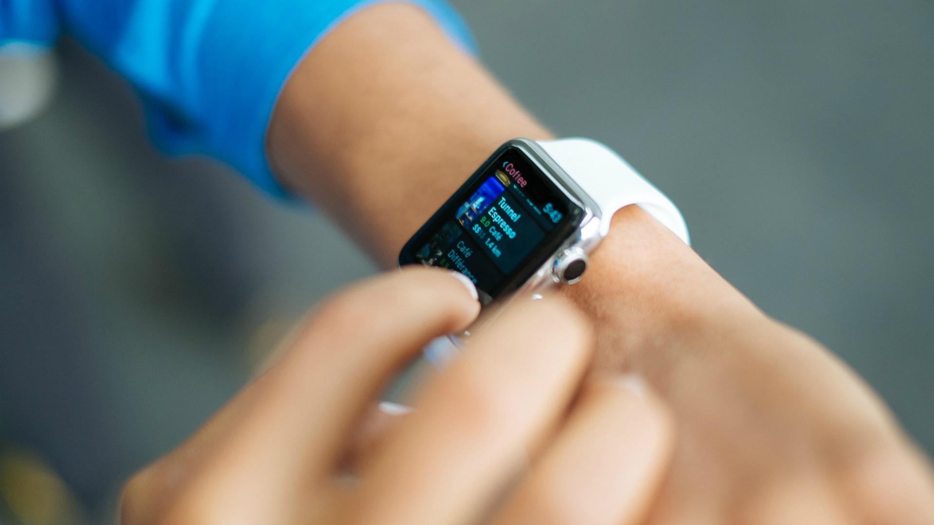 Dobry smartwatch do biegania na wiosnę. Jaki wybrać?