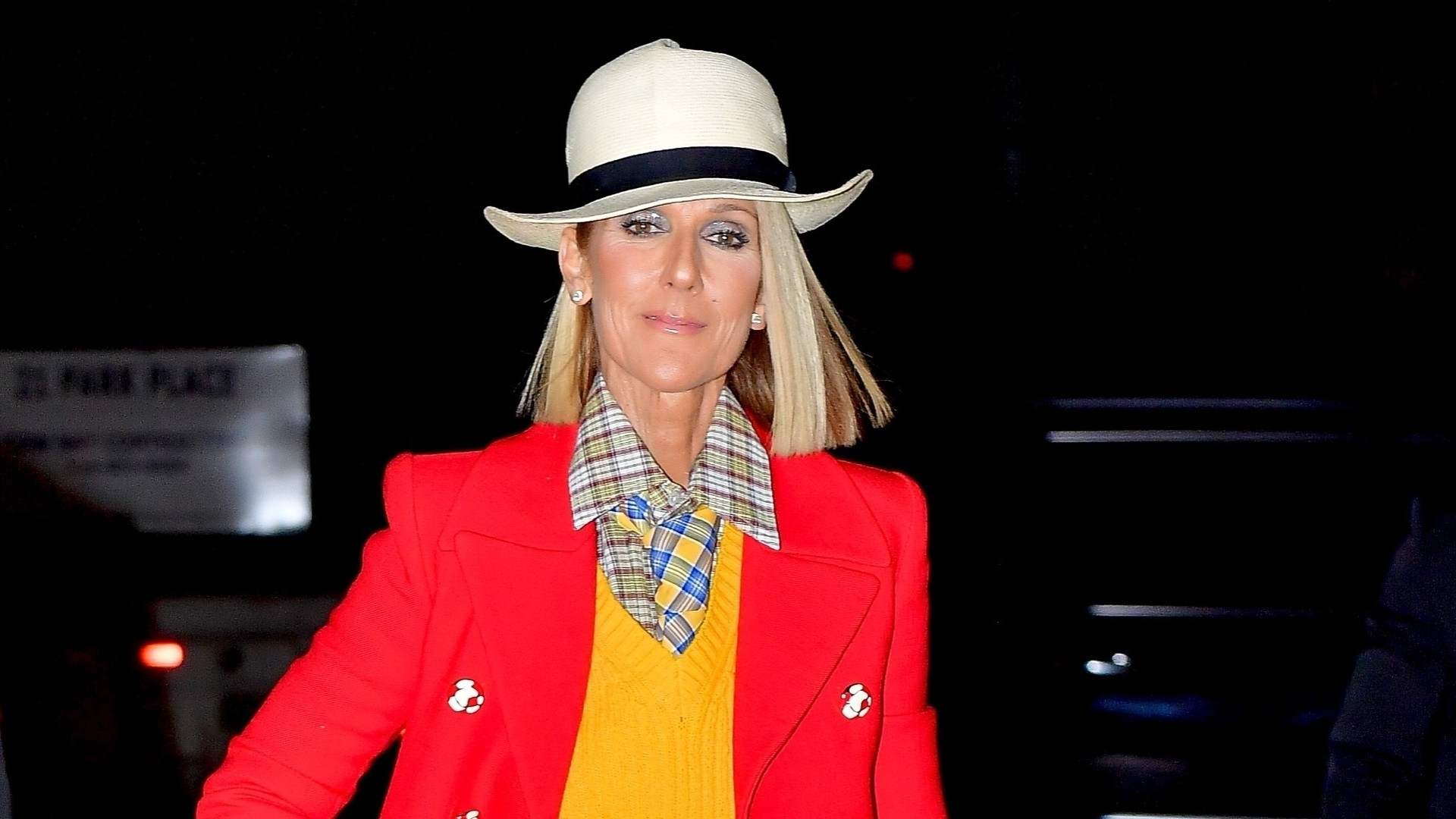 KoLoRoWa stylówka Celine Dion – HIT czy KIT? (ZDJĘCIA+SONDA)