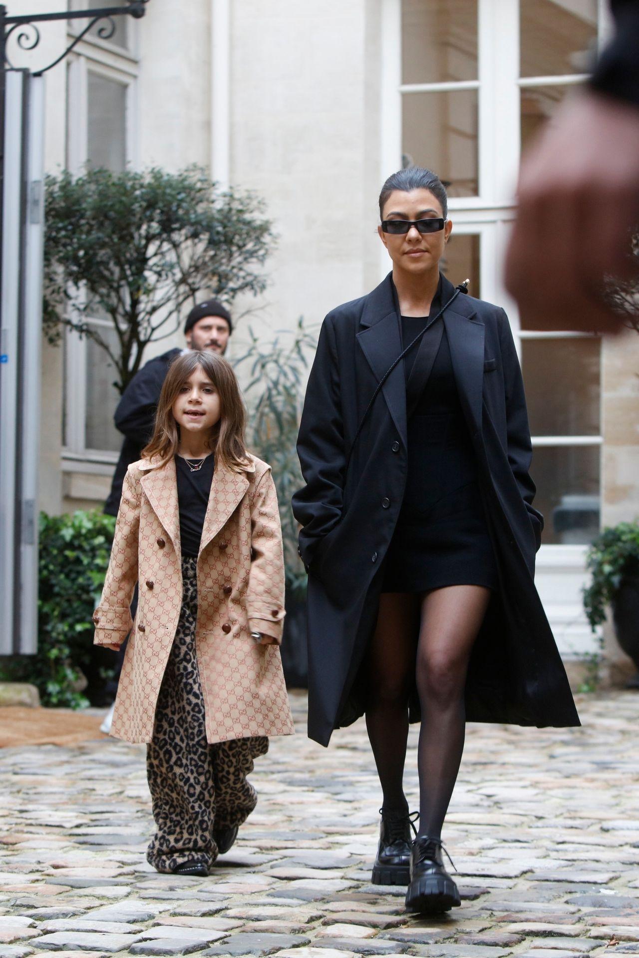 Kim i Kourtney z córkami w Paryżu: North i Penelope to małe influencerki (ZDJĘCIA)