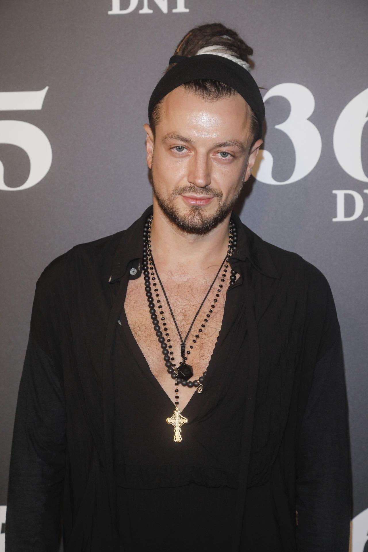 "Aleksander Milwiw-Baron na premierze ""365 dni"""