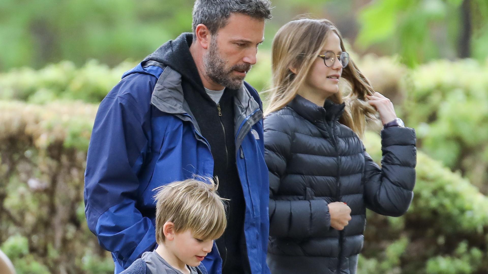 Ben Affleck zostawił na chwilę nową miłość i zajął się dziećmi (ZDJĘCIA)