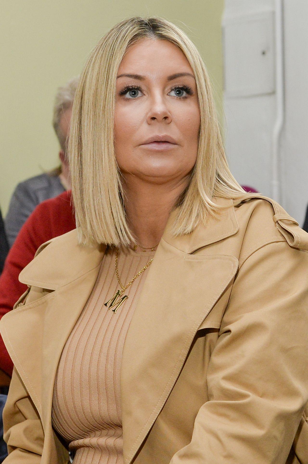 """Małgorzata Rozenek-Majdan w ciąży na premierze książki """"Taniec na gruzach"""" Wiktora Krajewskiego i Niny Novak"""