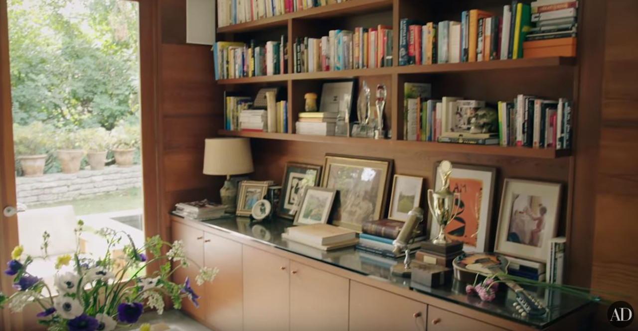 Dom Dakoty Johnson, aktorka pokazała sporą biblioteczkę.