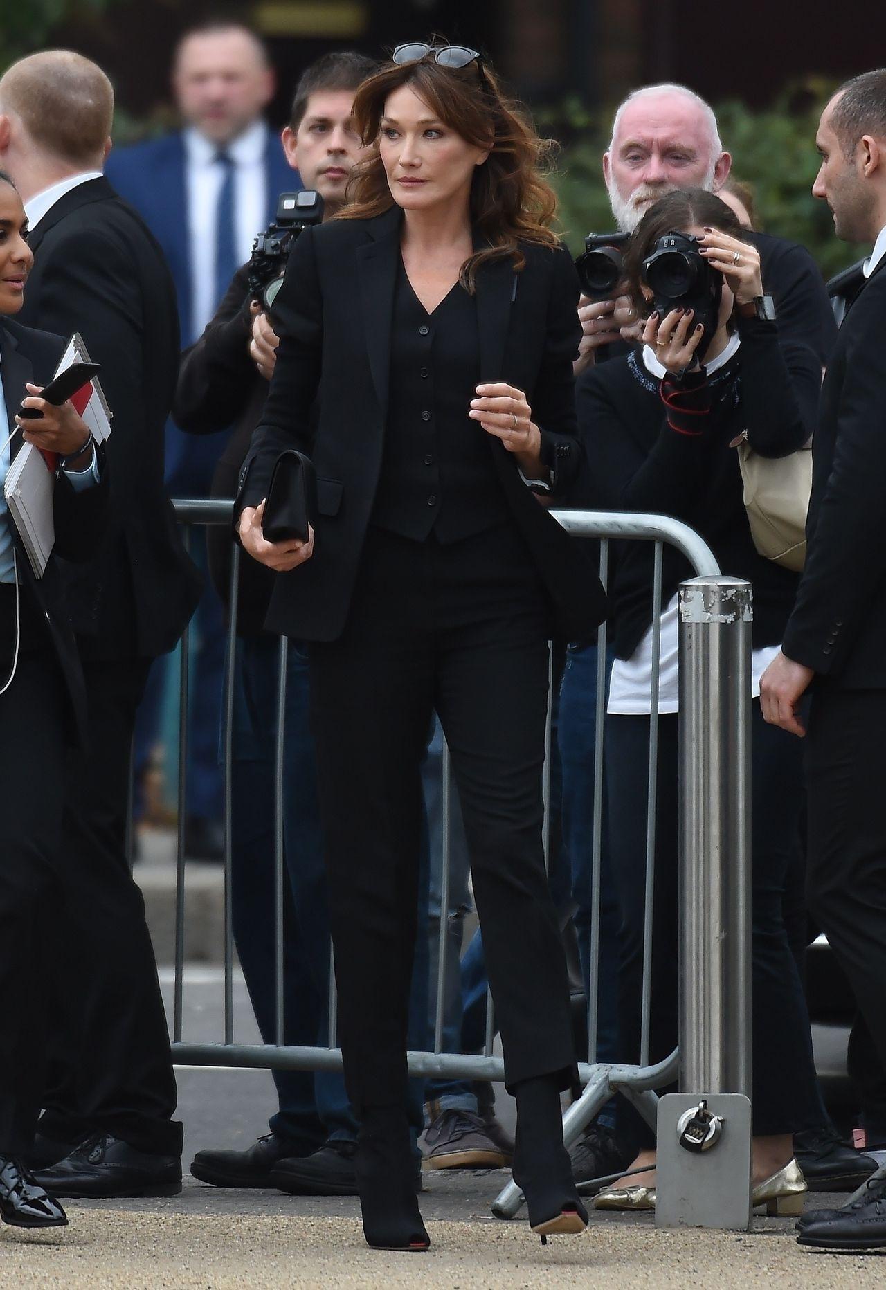 Carla Bruni śmiała się z koronawirusa. Teraz przeprasza/fot. Forum