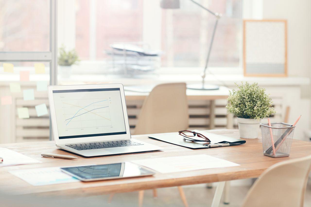 Jak pracować podczas home office i nie zwariować? Porady/fot. iStock