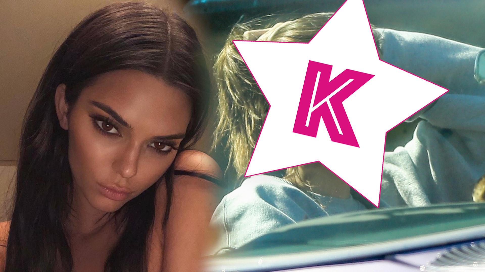Kendall Jenner wozi się z chłopakim po LA w zabytkowym samochodzie (ZDJĘCIA)