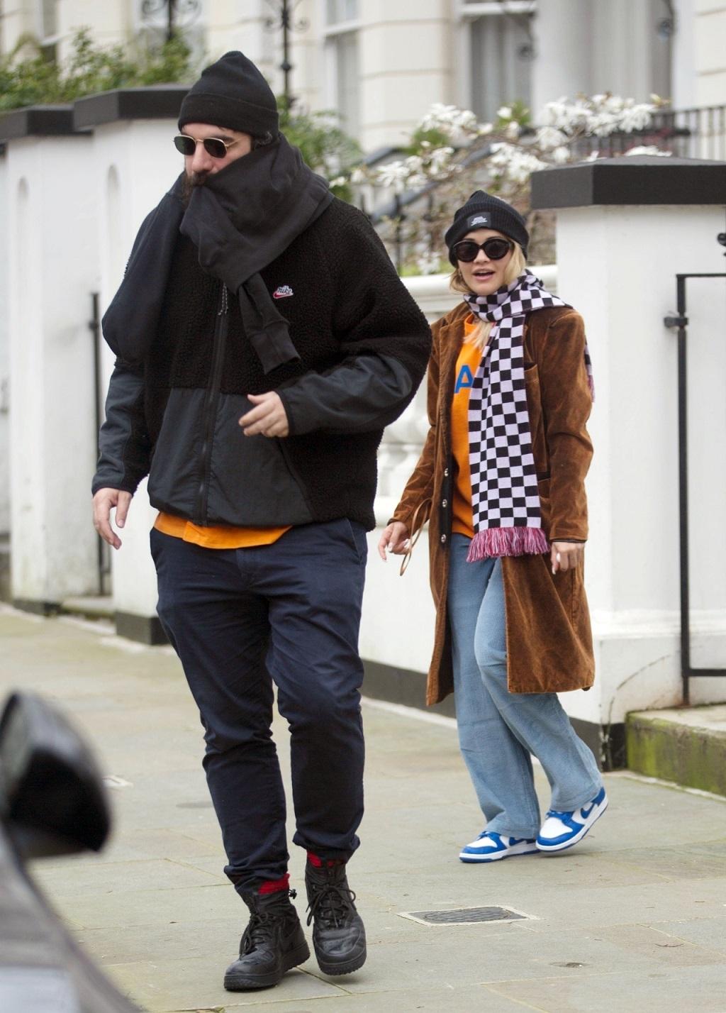 Rita Ora z tajemniczym mężczyzną.