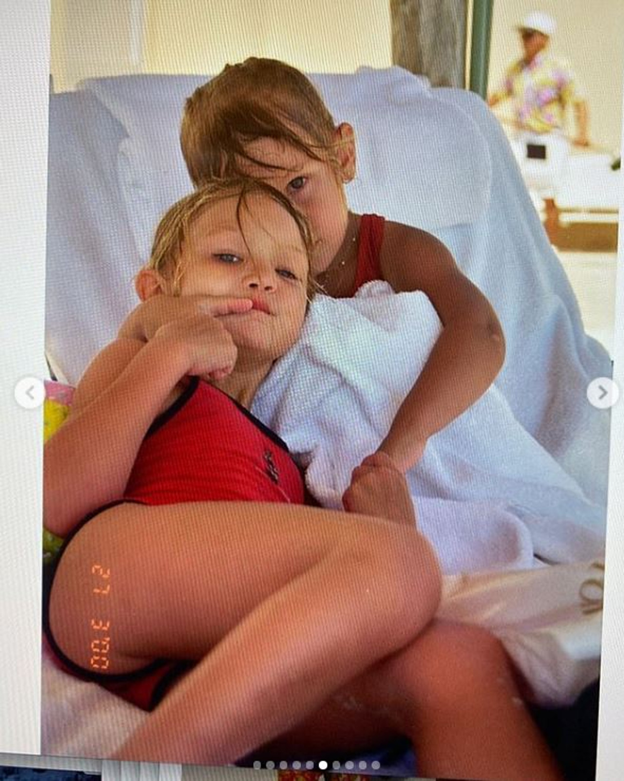 Gigi Hadid i Bella Hadid w młodości.