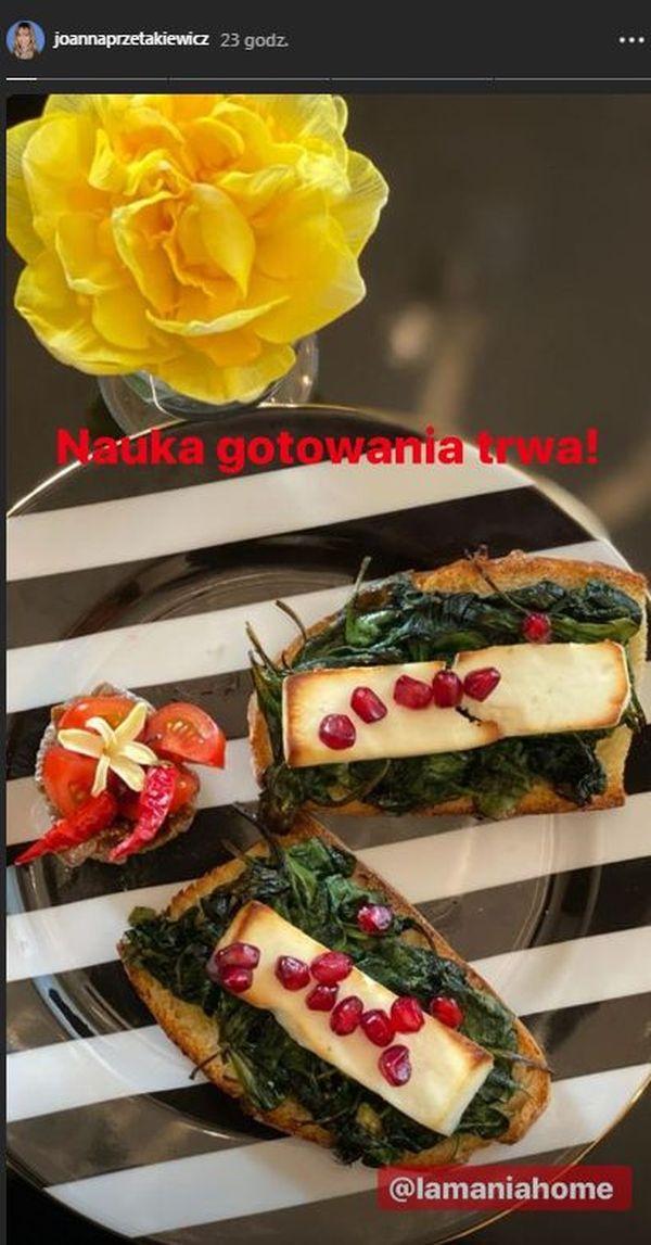 Przepis Joanny Przetakiewicz na ciepłą przekąskę - tosty ze szpinakiem i serem