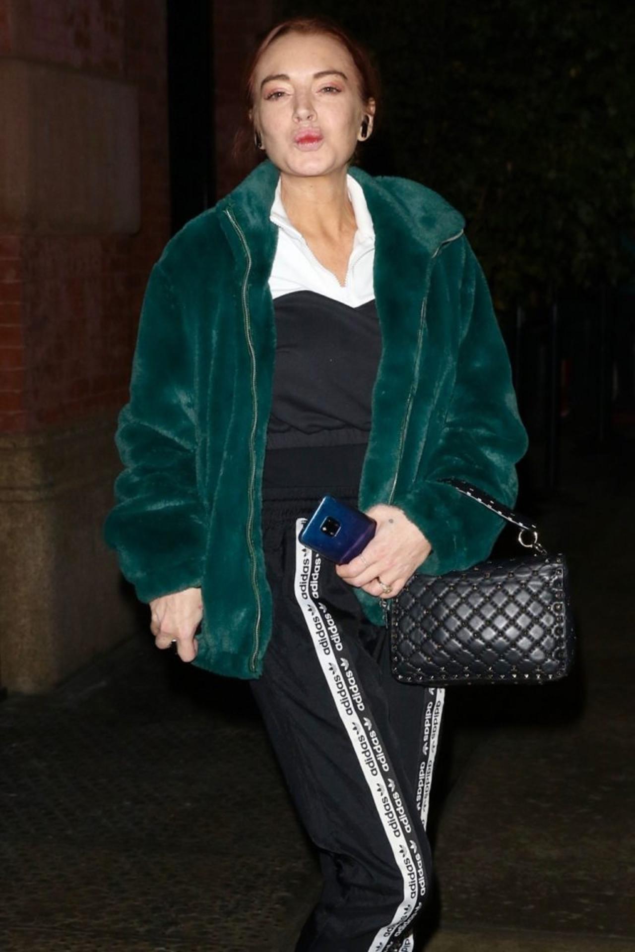 Lindsay Lohan przesadziła z zabiegami medycyny estetycznej, jej usta wyglądają dziwnie.