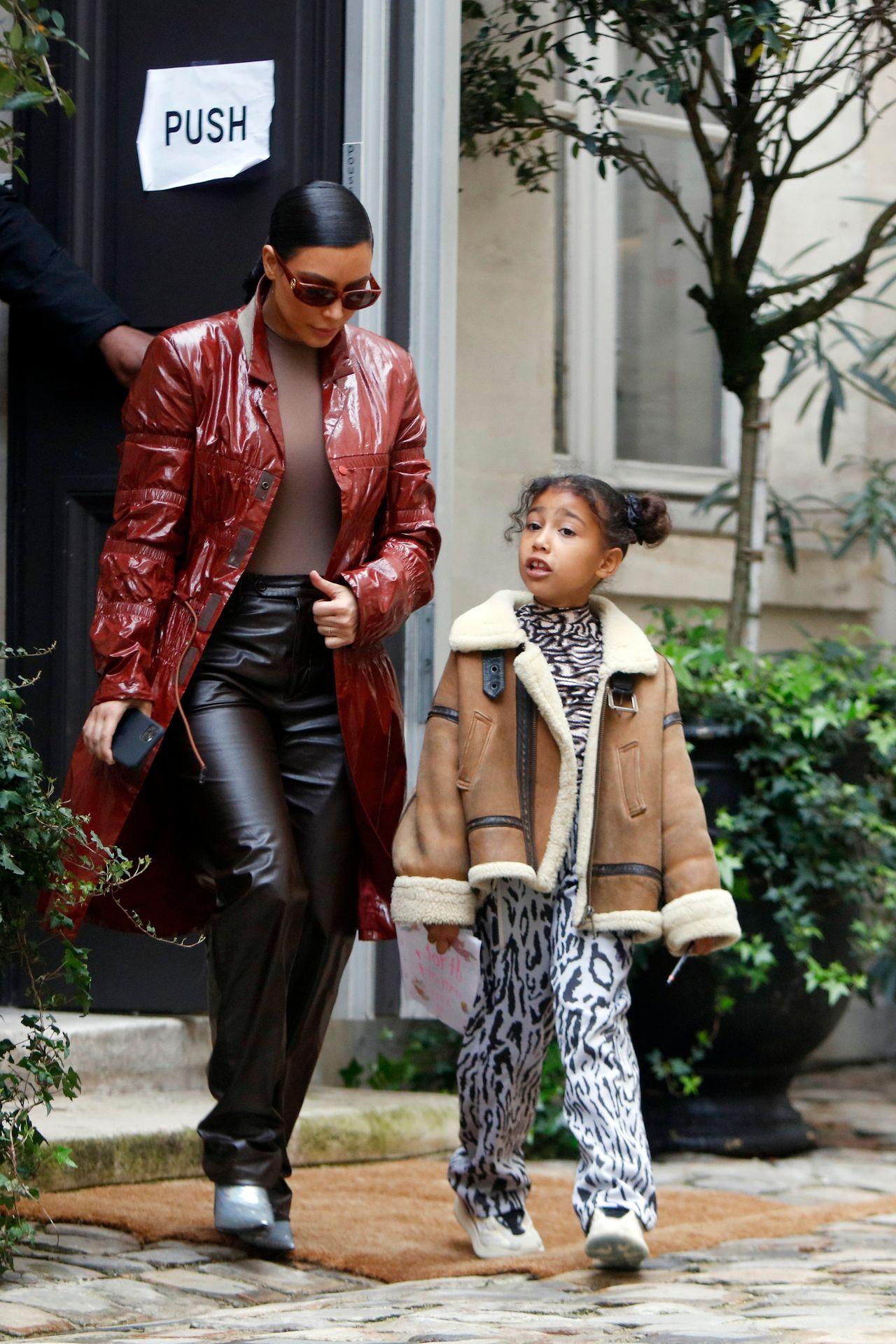 Kim Kardashian z róką North