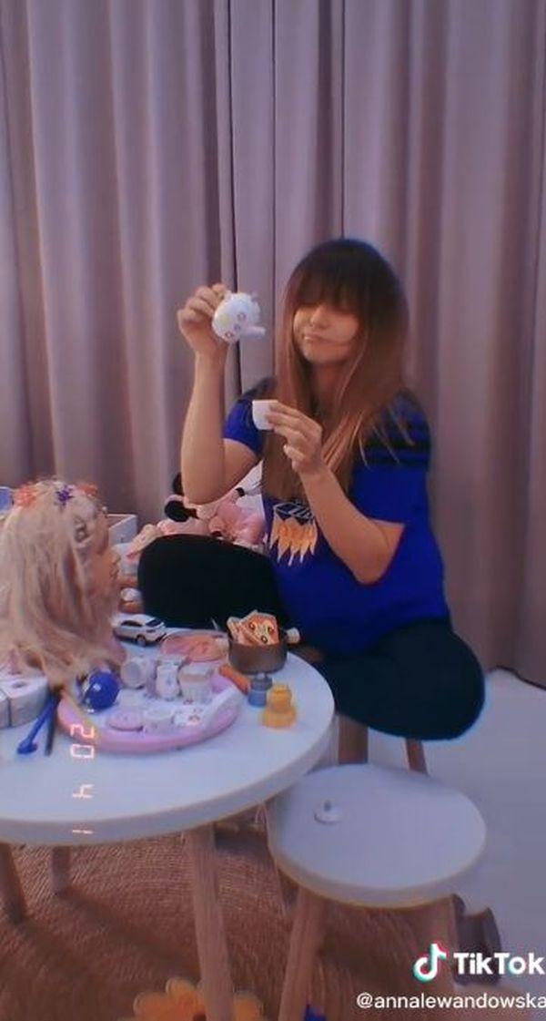 Anna Lewandowska w domu, zdjęcia z Tik Toka