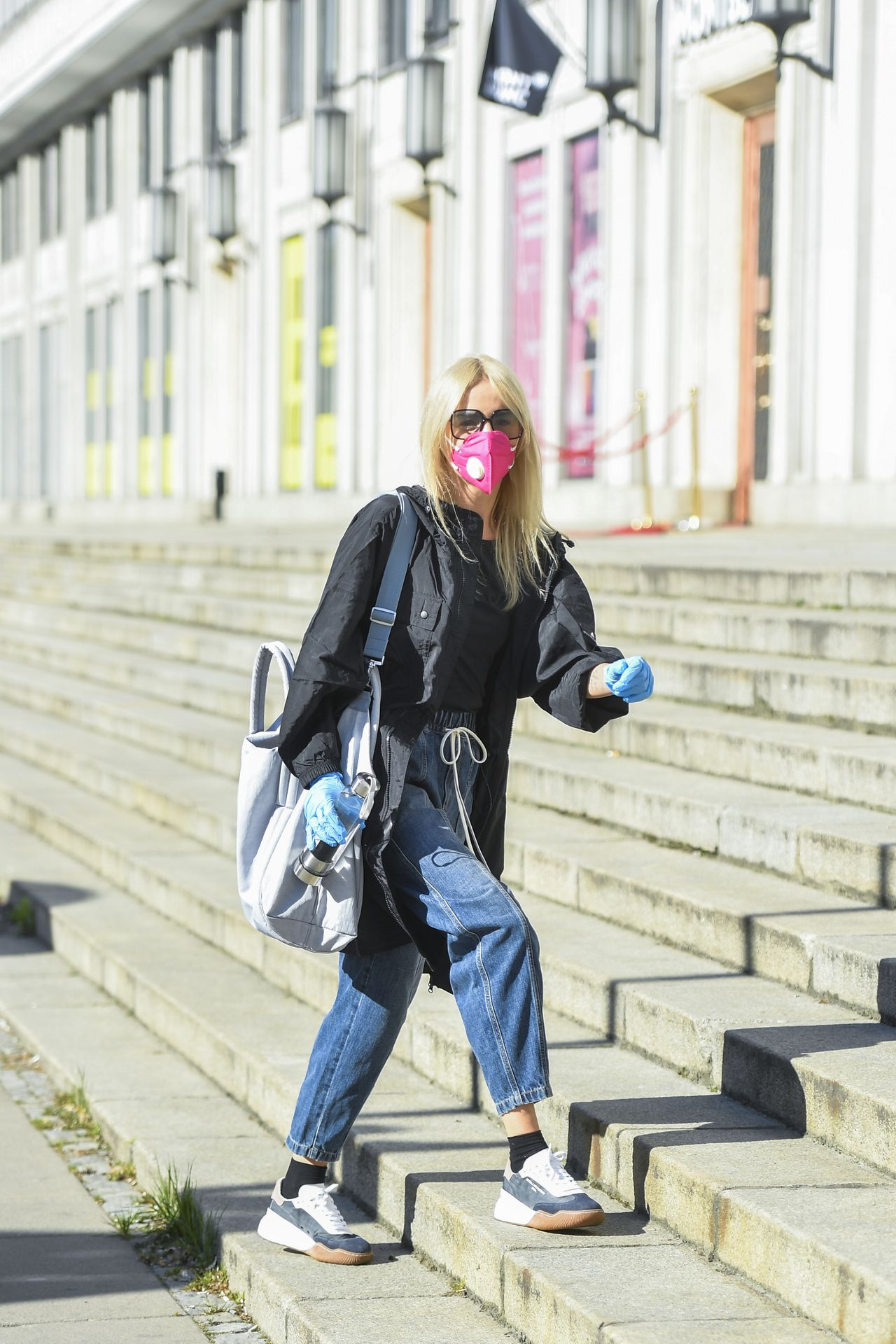 Agnieszka Woźniak-Starak w drodze do pracy