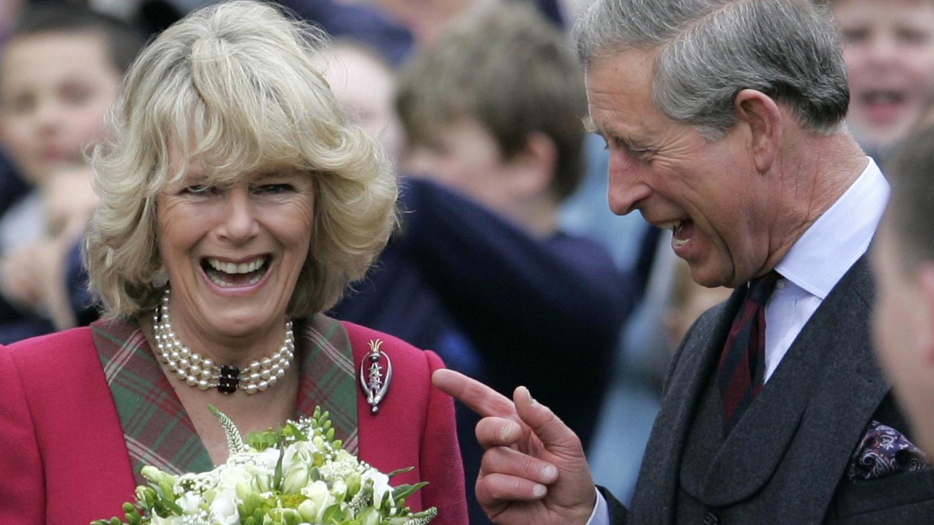 Książę Karol i księżna Camilla pokazali zdjęcie z okazji 15. rocznicy ślubu. Nie są na nim SAMI!