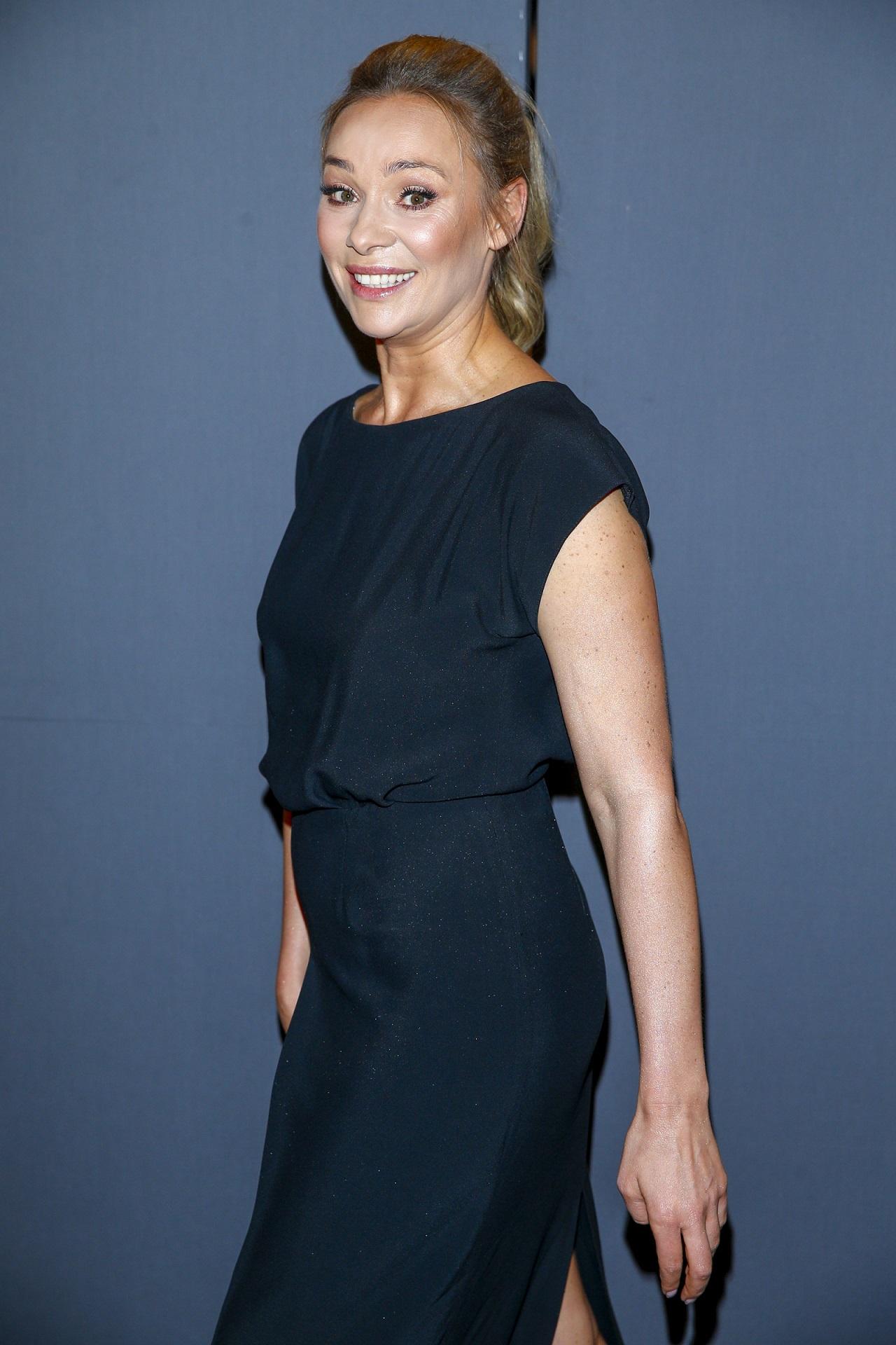 Sonia Bohosiewicz eleganckiej, czarnej sukience.