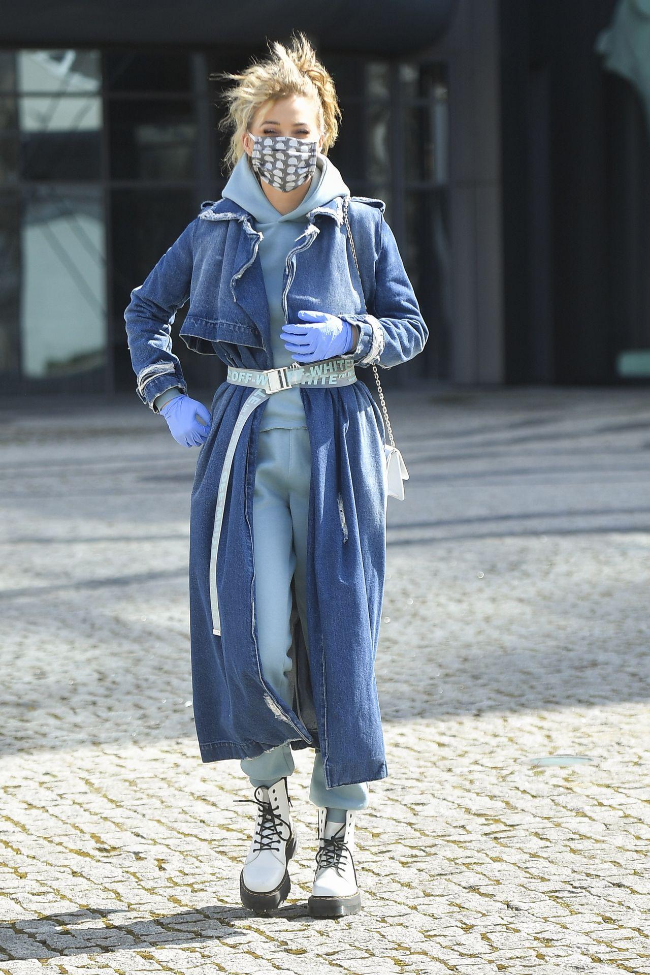 Stylowa Marcelina Zawadzka w modnej stylizacji.