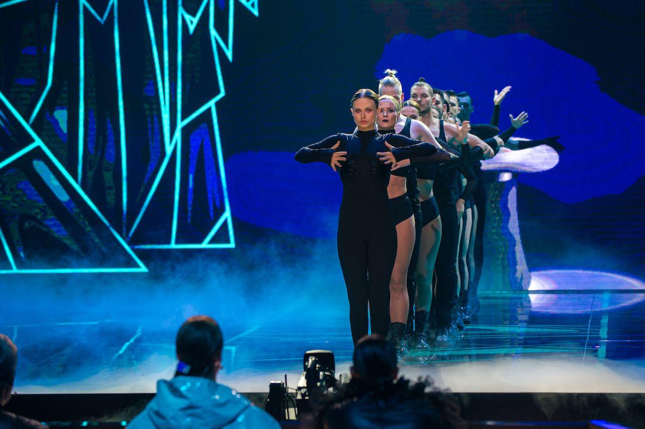 """Anna Karczmarczyk na scenie """"Dance Dance Dance"""""""