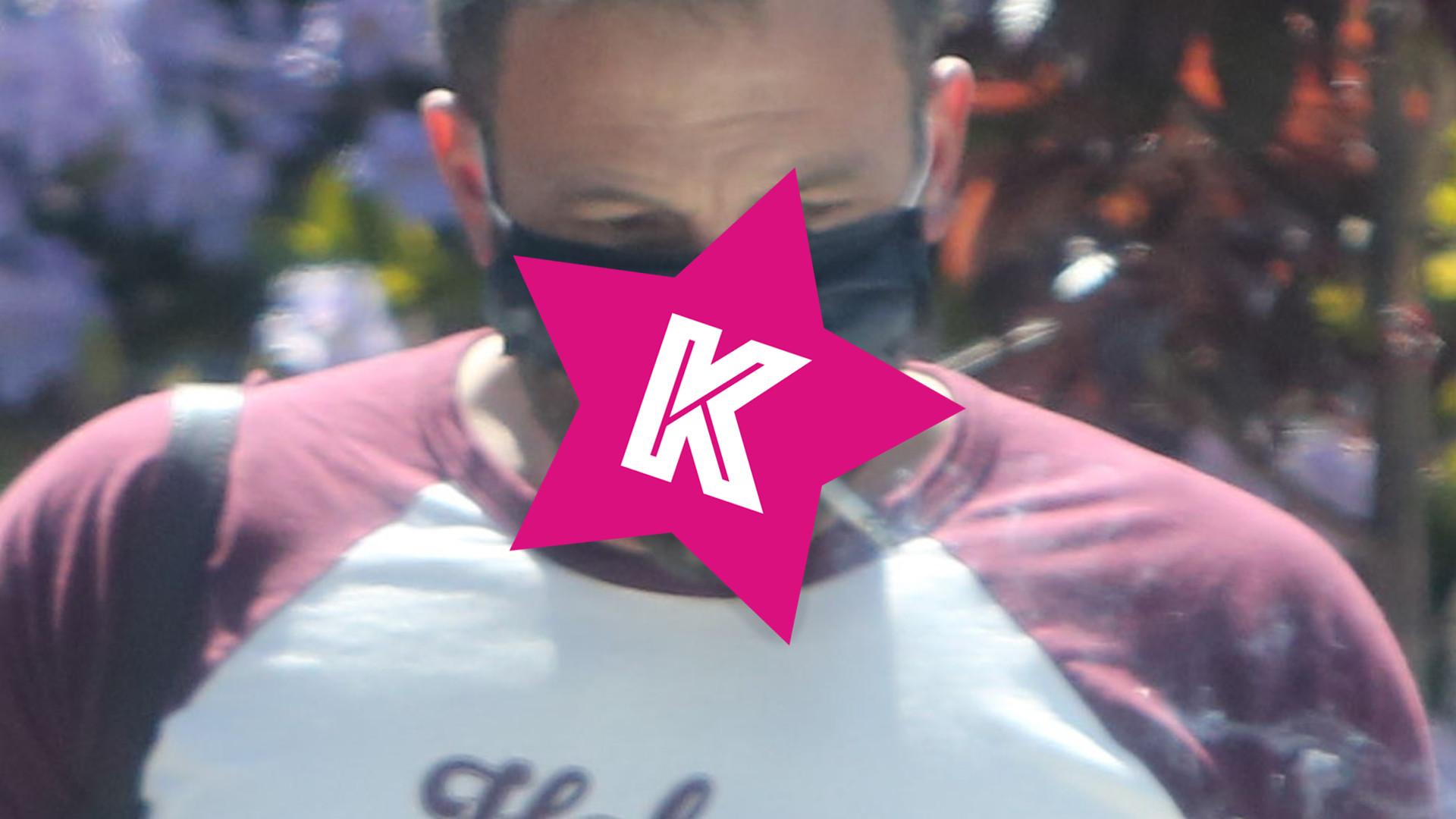 Ben Affleck w masce PALI papierosa – jak on to robi? (ZDJĘCIA)