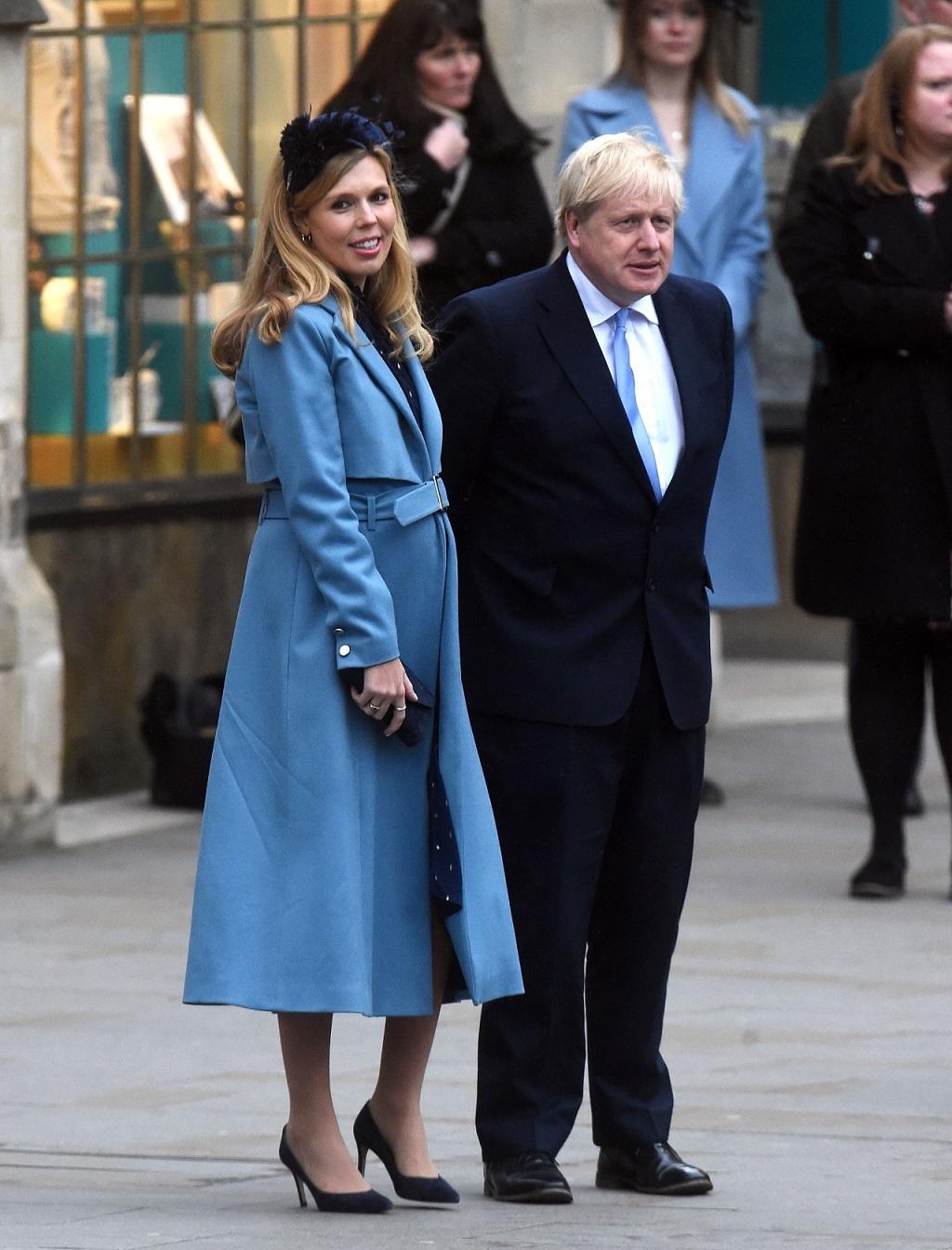Boris Johnson i jego ciężarna partnerka Carrie Symonds