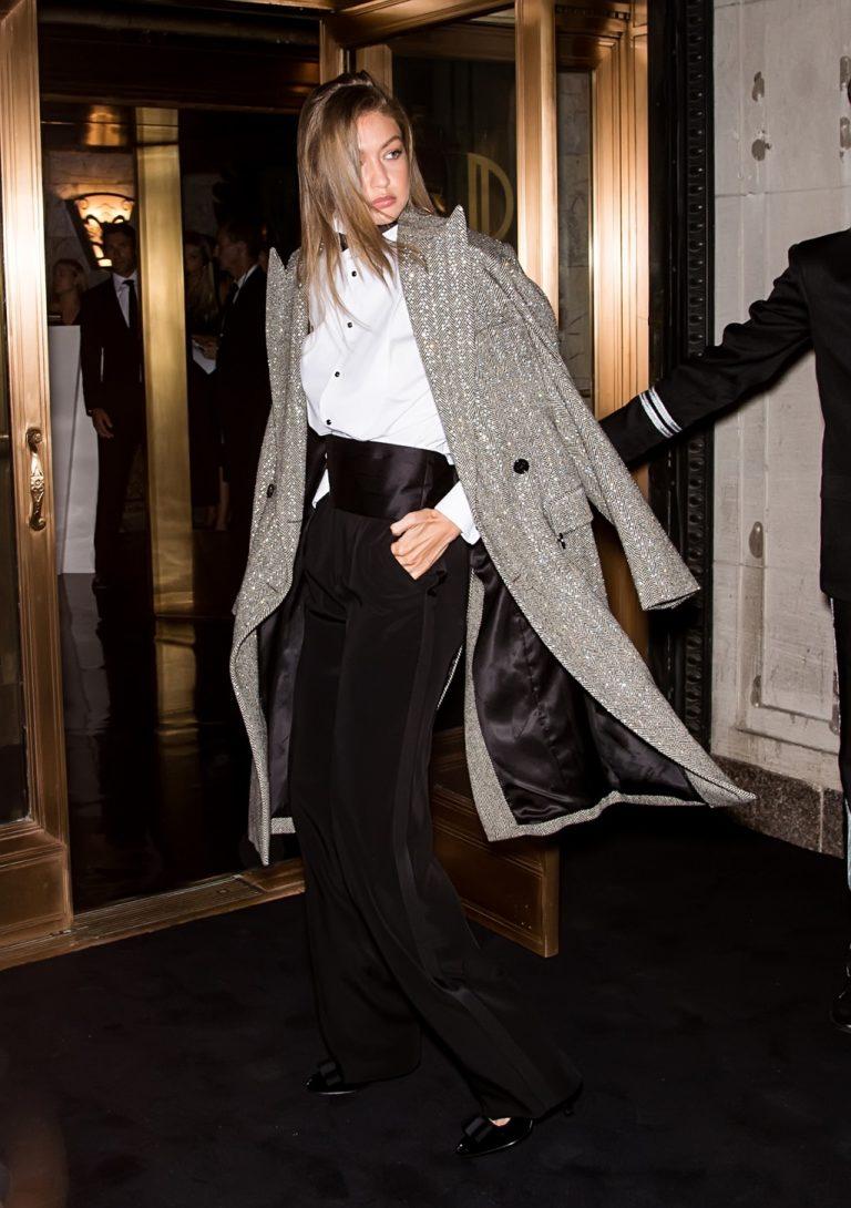 Gigi Hadid w damskim garniturze od Ralpha Laurena.