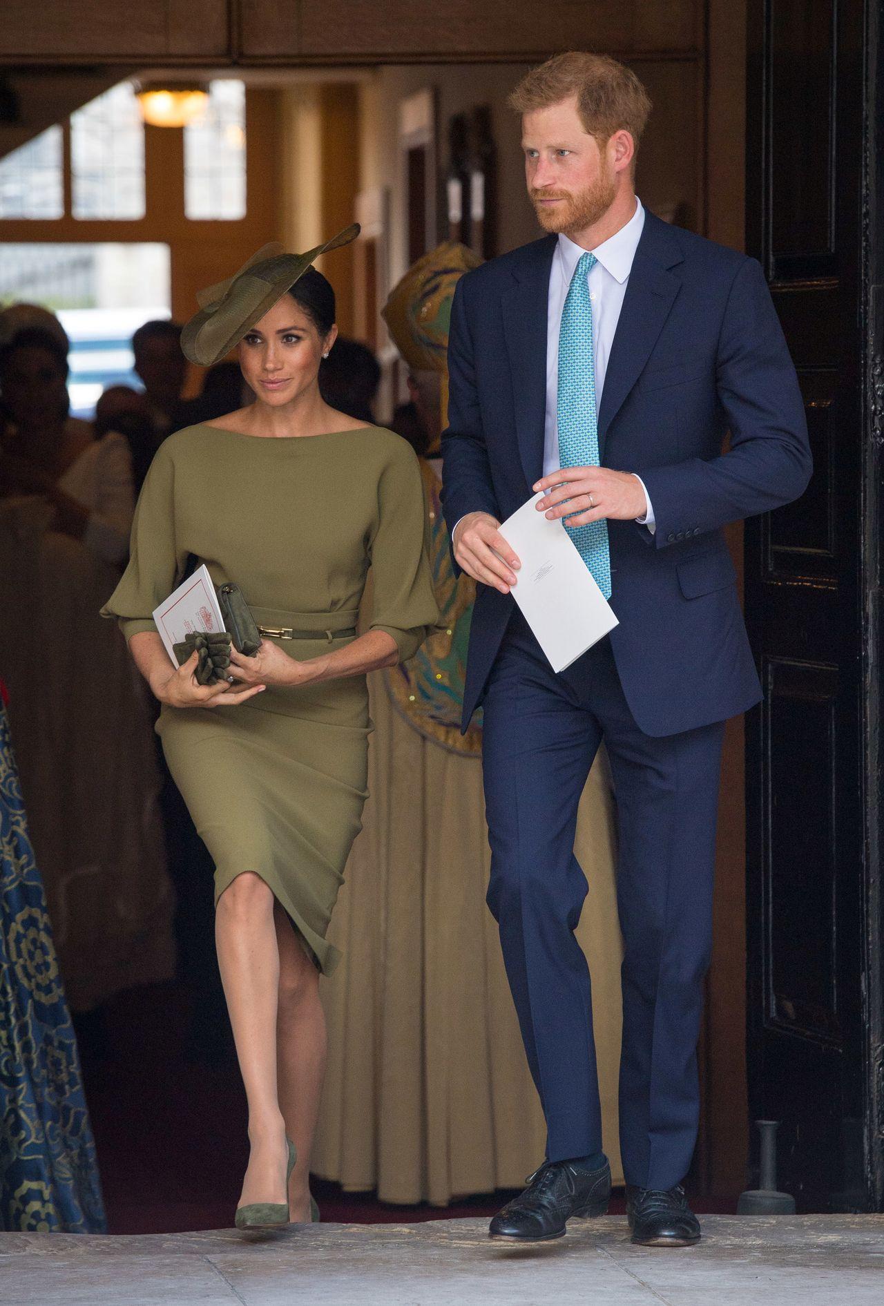 Stylowa Meghan Markle i książę Harry na oficjalnym wystąpieniu.