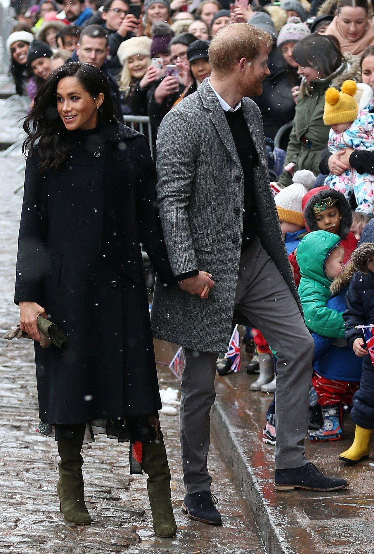 Książę Harry z żoną Meghan krótko po ślubie