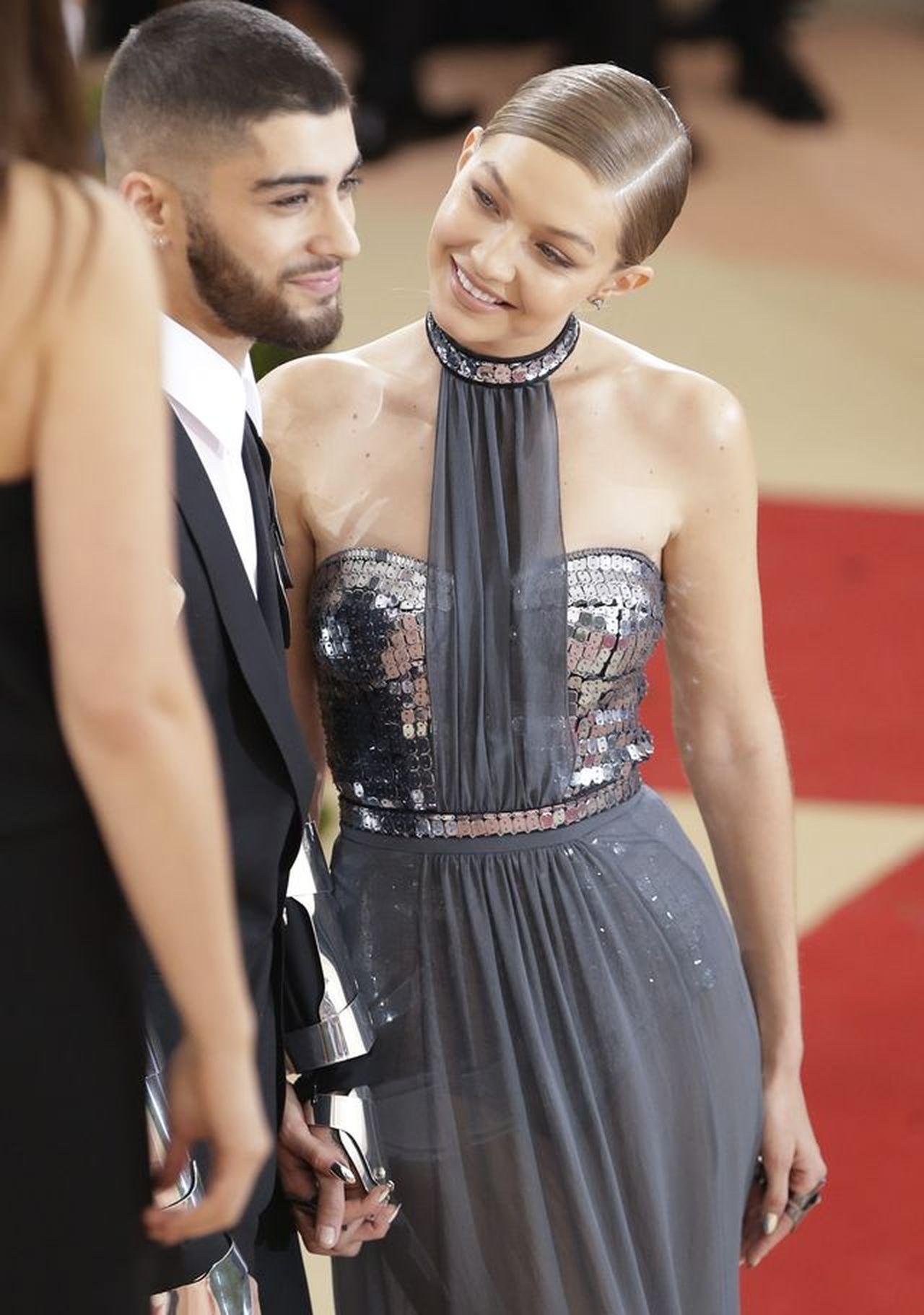 Gigi Hadid i Zayn Malik zaręczyli się? Jubiler pokazał ich bransoletki z wiele mówiącym symbolem