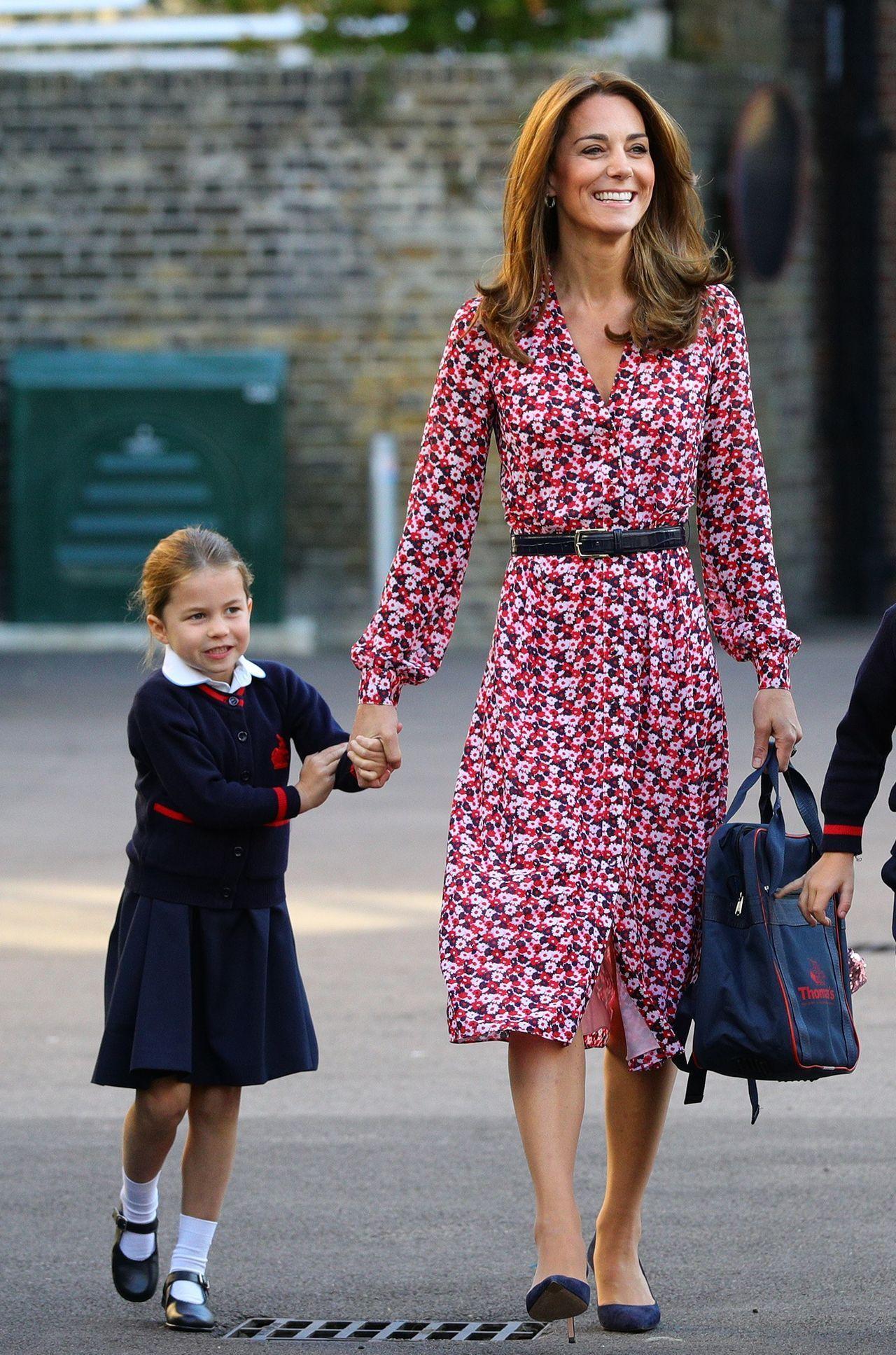 Księżna Kate odprowadza Charlotte do szkoły
