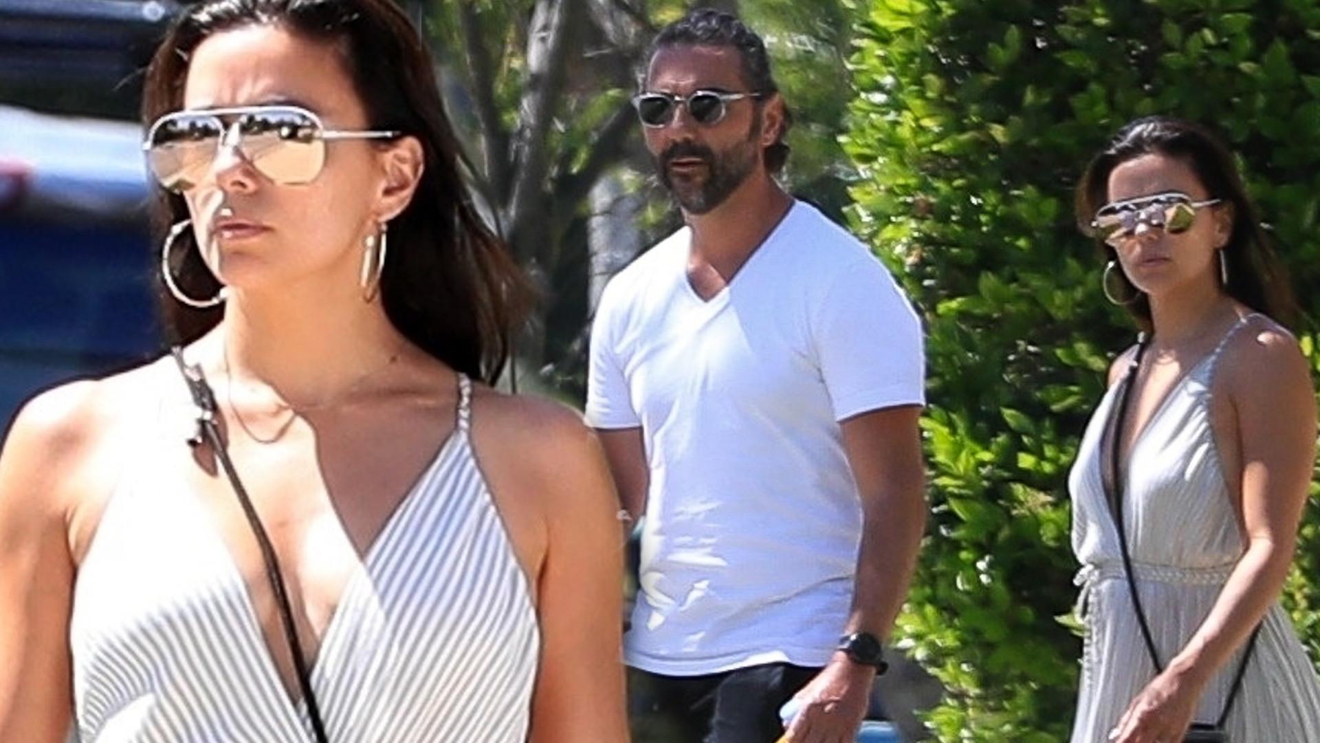 Eva Longoria i jej mąż z maseczką W RĘKU snują się po Beverly Hills