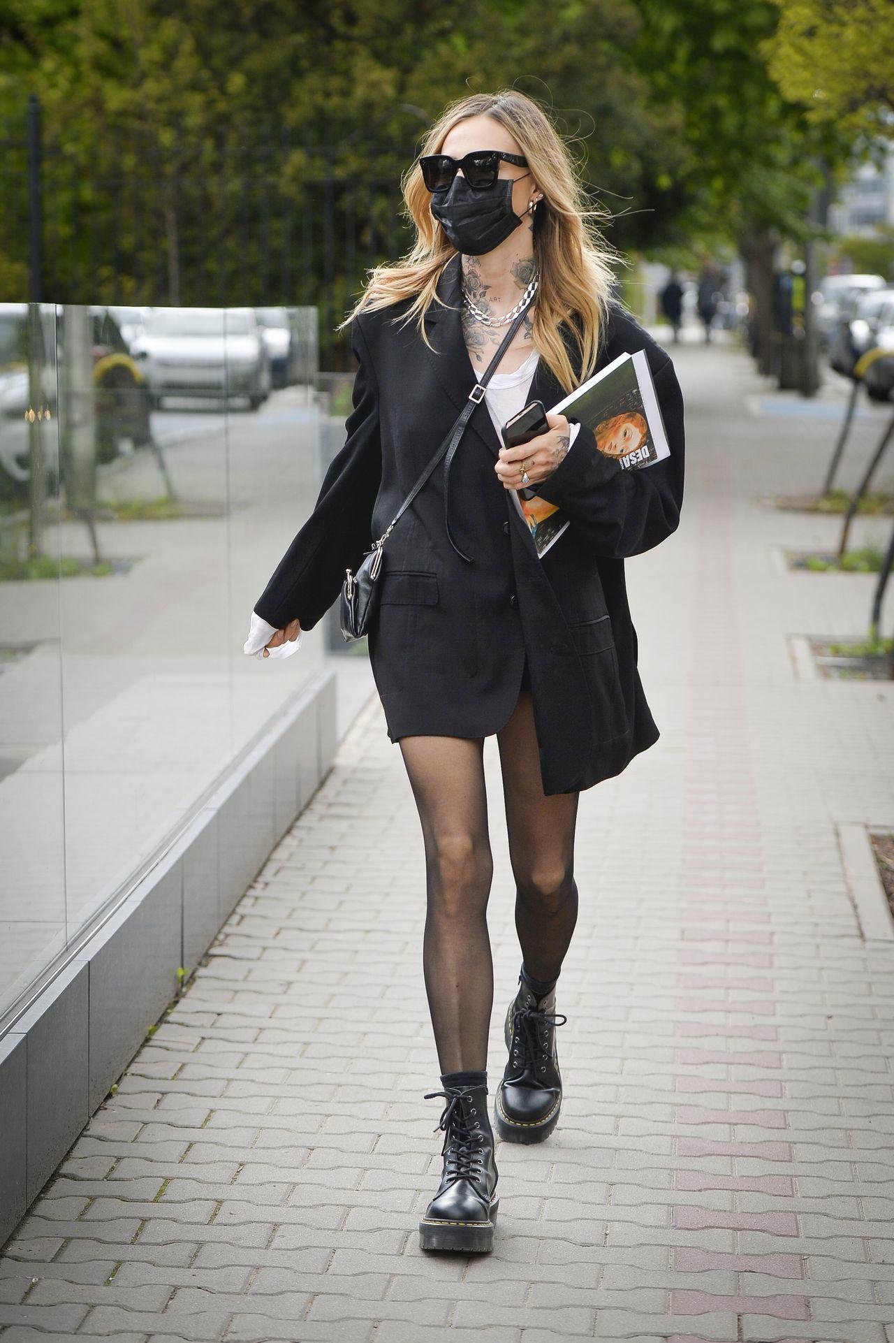 Maja Sablewska i jej sexy nogi w martensach